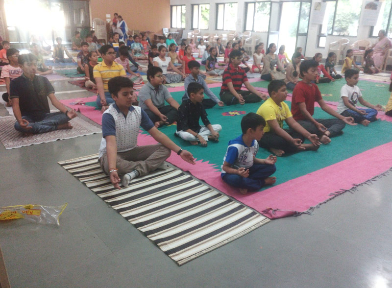 Children learning Yoga – 2017